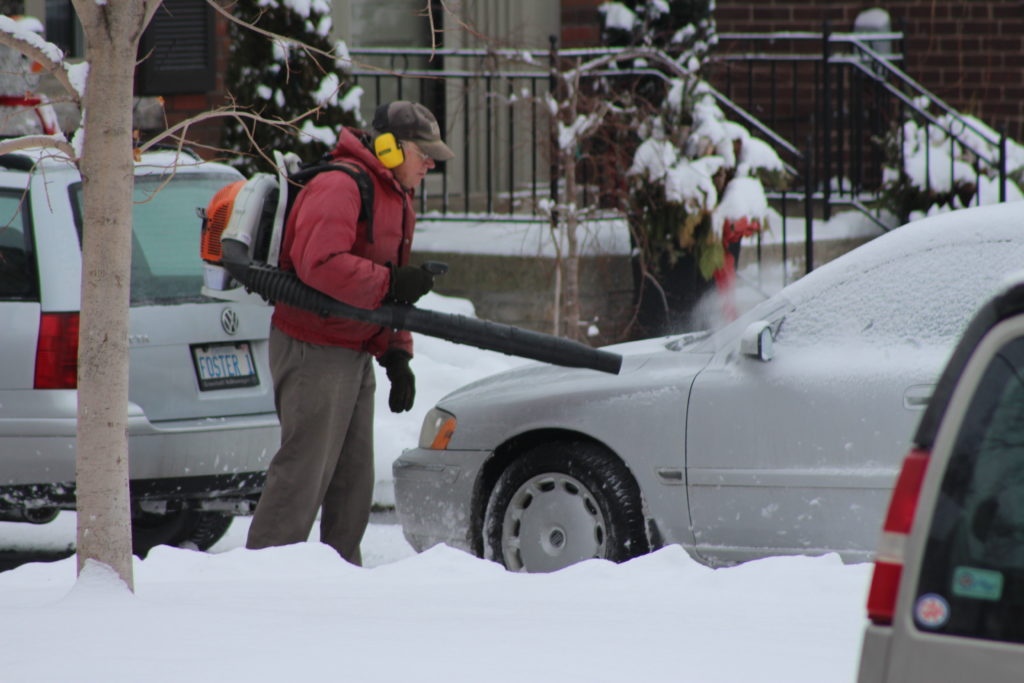 Using a Leaf Blower to remove snow from a car